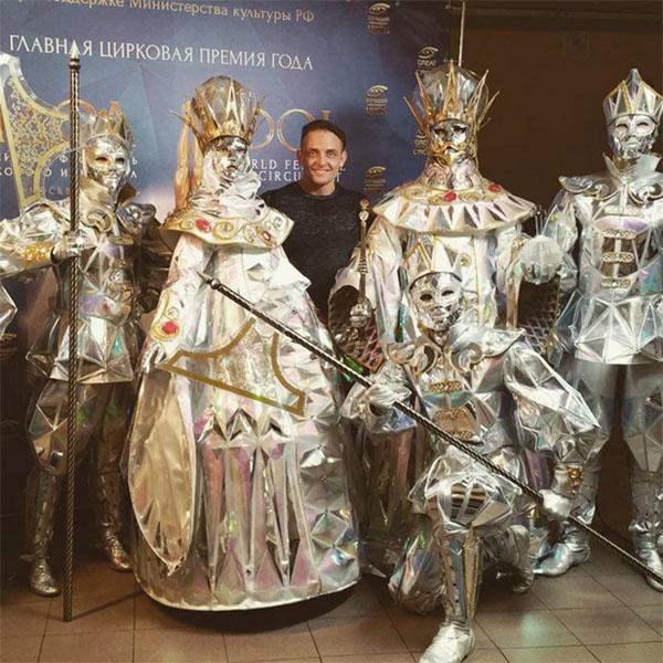 Аскольд Запашный с балетной труппой Большого московского цирка