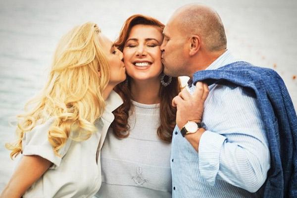 Диана Ходаковская с семьей