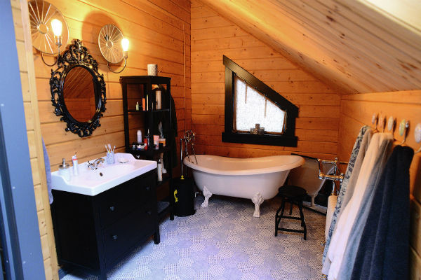 Дружинины выбрали необычную ванну в викторианском стиле