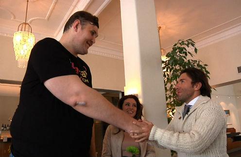 Игорь Вовковинский помогал украинке Злате Огневич