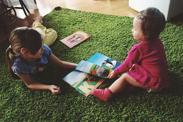 Элина познакомила дочь с дочерью своего возлюбленного