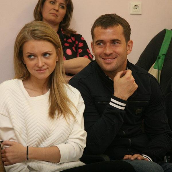 Александр Кержаков и Милана Тюльпанова на одном из мероприятий своего фонда