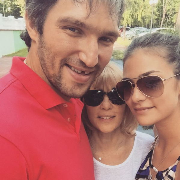 Вера Глаголева счастлива за дочь и ее спутника жизни