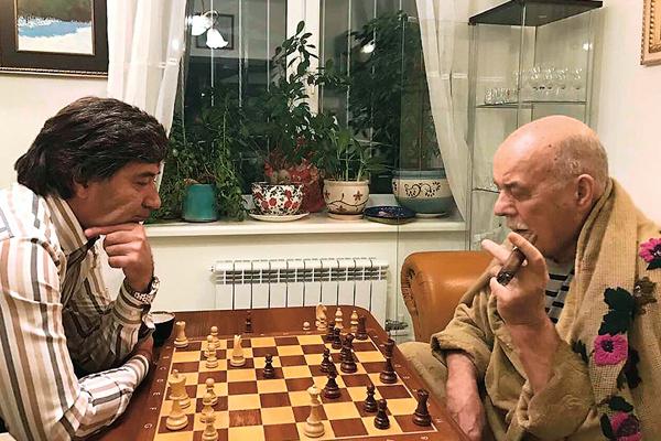 Шахматы были давним увлечением мэтра