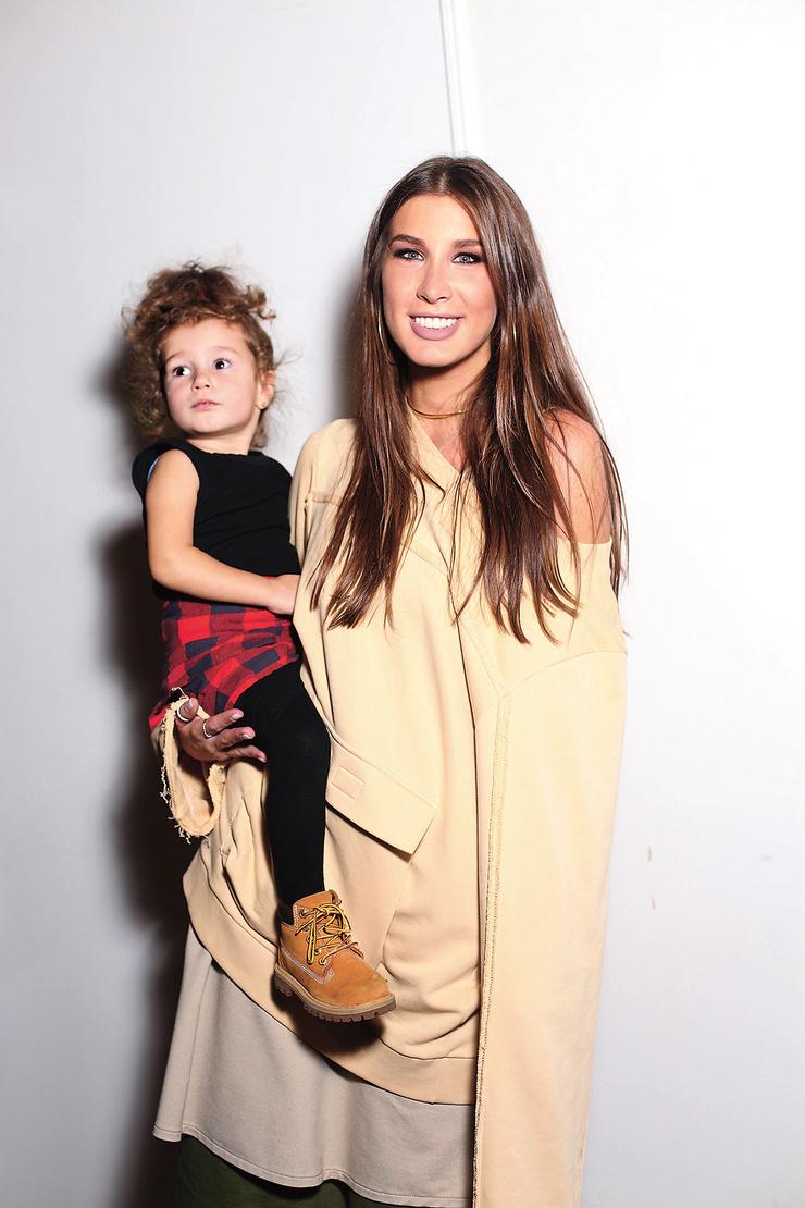 Певица воспитывает двухлетнюю дочь