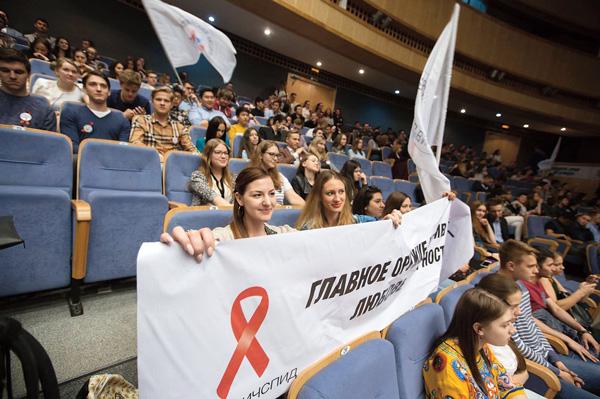 Самое активное участие в акции принимал студент международно-правового факультета МГИМО Илья Медведев