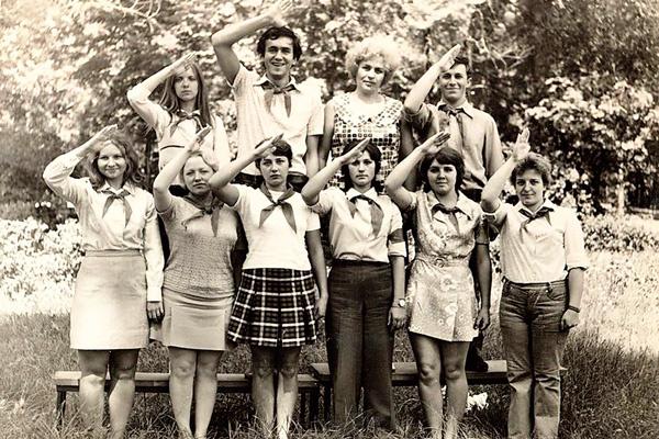 В юности Садальский работал вожатым в лагере «Орленок». Фото 1975 года