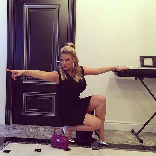 Анна Семенович знает, как стать счастливой и уверенной в себе