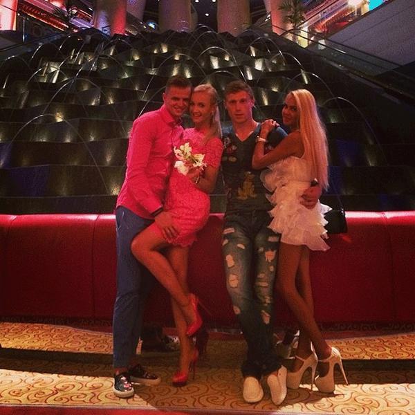 Дмитрий и Ольга с друзьями-молодоженами - Павлом и Марией Погребняками