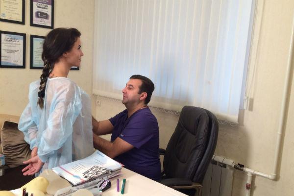 Тигран Алексанян постарался учесть все пожелания пациентки и при этом сделал эту процедуру для нее максимально безопасной