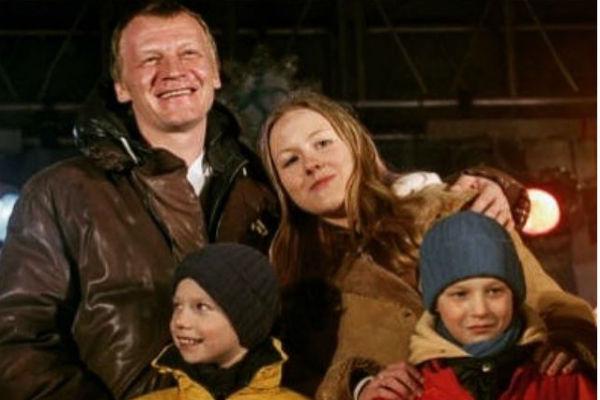 Алексей с наследниками Дарьей, Степаном и Данилой