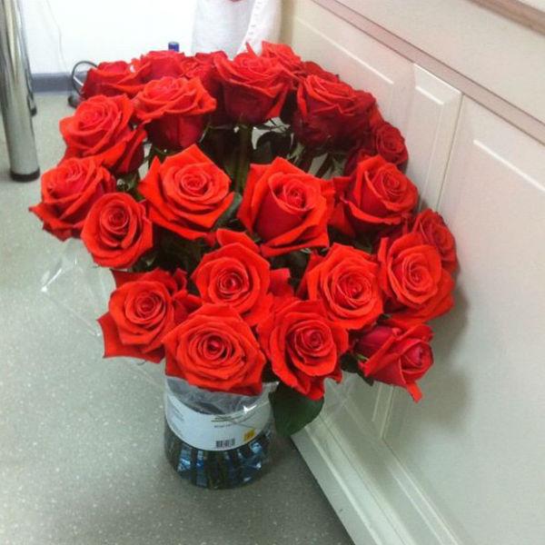 Выложив фото подаренных цветов, Дана Борисова решила рассказать о предстоящем событии