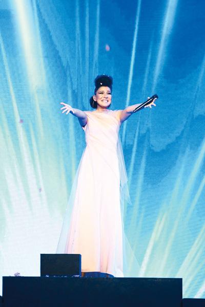 Фееричная Елка – победитель в номинации «Лучшая певица»