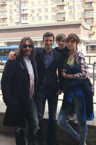 Алексей Лемар с семьей маленького Оскара
