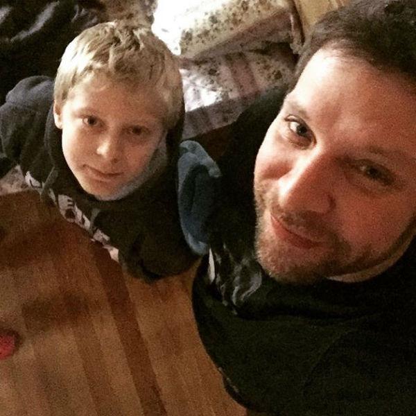 Арчи воспитывает собственного сына в атмосфере любви и заботы