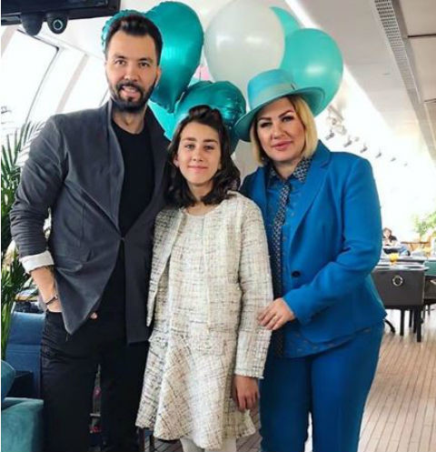 Денис Клявер с дочерью Эвелин и экс-возлюбленной Евой Польной