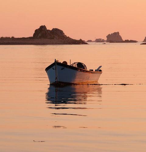 ВЛадожском озере найдена перевернувшаяся лодка, детей рядом нет