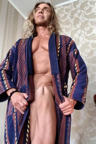 Тарзан покорил женщин своим идеальным телом