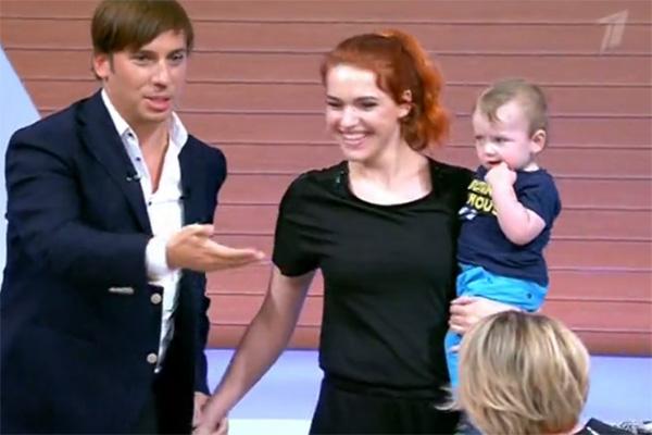 Николь Кнаус пришла на программу с маленьким сыном