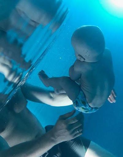 Платон занимается плаванием с первых дней жизни
