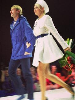 Яна Рудковская и Евгений Плющенко на показе своей коллекции