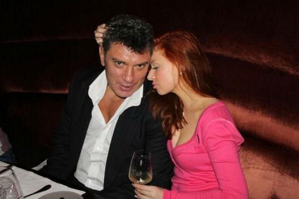 Анна находилась рядом в последние минуты жизни Немцова