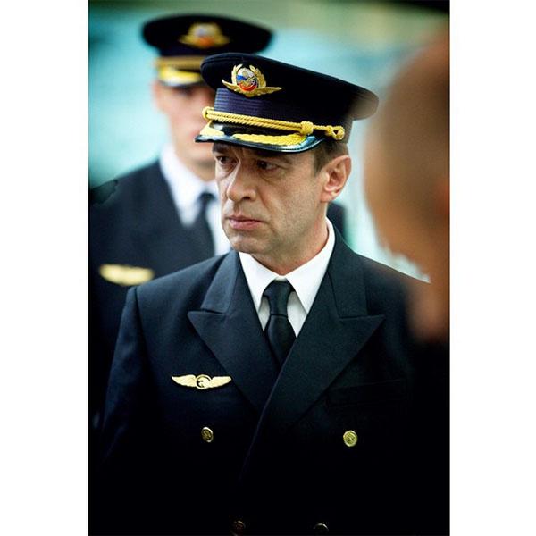 Владимиру Машкову очень идет форма пилота