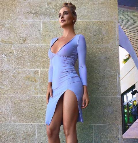 Фото жена без нижнего белья в городе, порно галереи анал спермы