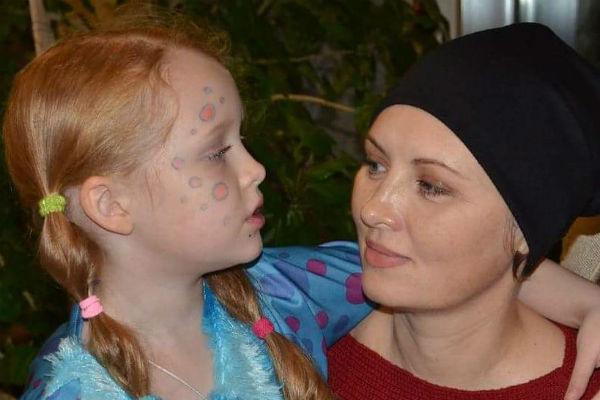 Елена Ксенофонтова с дочерью Соней
