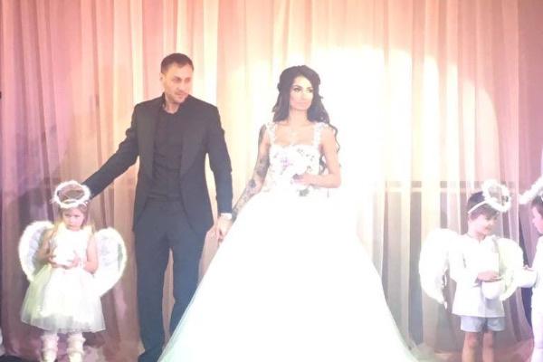 Александр Липовой и Александра Кабаева на торжественной церемонии бракосочетания