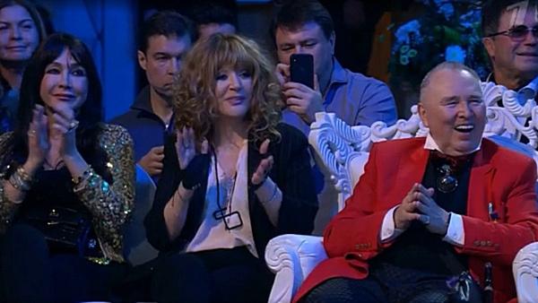 Алла Пугачева сидела в первом ряду рядом с юбиляром
