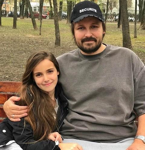 12-летняя дочь Павла Худякова переезжает в Нью-Йорк