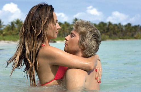 Софи и Николай  встречаются  больше года, но  отпуск вместе  проводят впервые