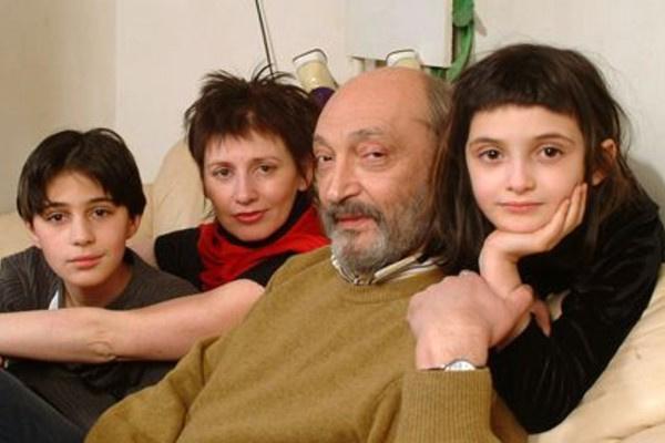 Михаил Козаков с Анной Ямпольской и детьми