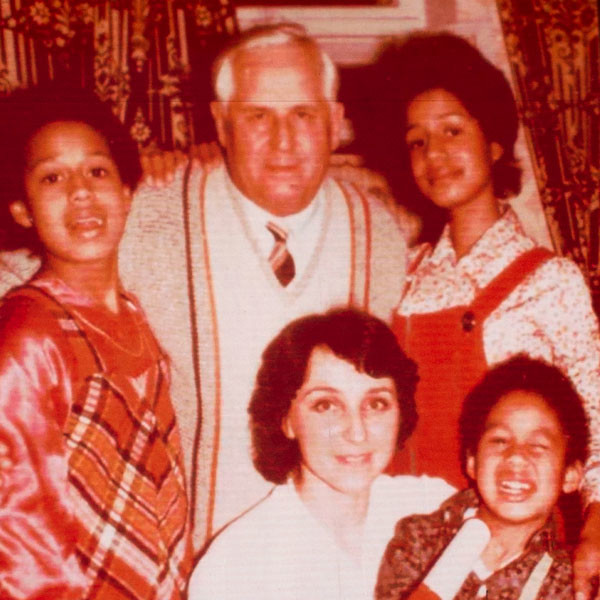Татьяна в детстве, с семьей
