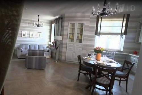 Эксперты передачи обустроили жилье Клары Новиковой в классическом стиле, но добавили в него современные элементы