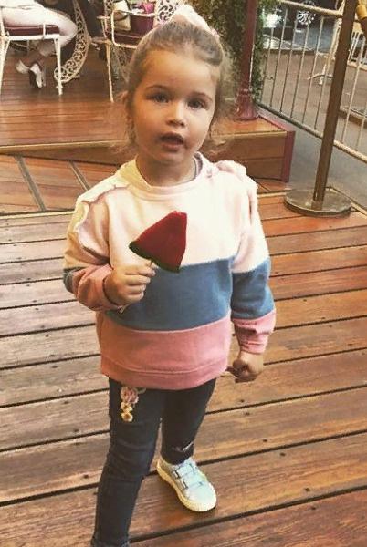 Теоне нравится посещать детский сад