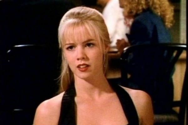 Дженни Гарт справедливо считалась одно из самых красивых актрис 90-х