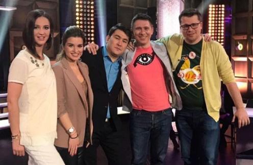 Ведущие телепроекта «Дом-2» Ольга Бузова и Ксения Бородина