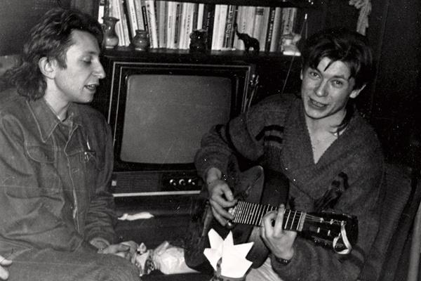 Музыканты познакомились в минской театральной студии. Шуре тогда было пятнадцать лет, Леве – тринадцать