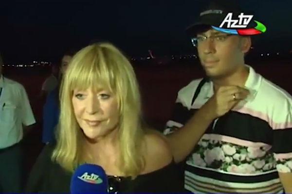 Алла Пугачева прибыла в Баку на частном самолете