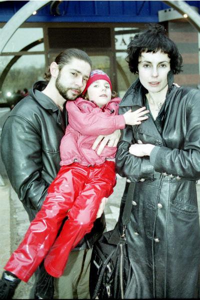 Валерий Николаев и Ирина Апексимова с маленькой Дашей