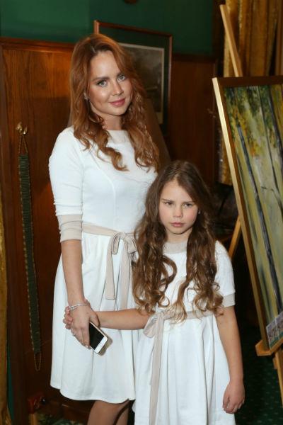 МакSим со старшей дочерью
