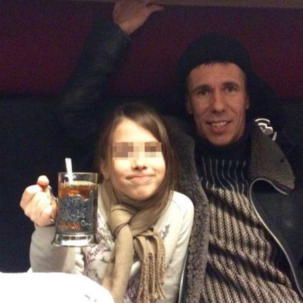 Актер увез дочку в Москву