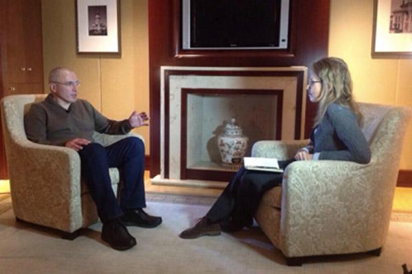 Михаил Ходорковский и Ксения Собчак во время интервью