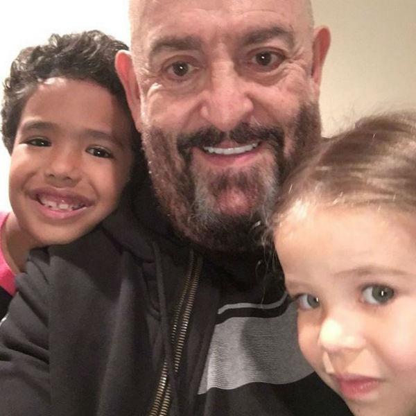 С внуками Захаром и Ханной