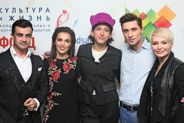 Черим Нахушев, Сати Казанова, Елена Борщева, Дима Билан и Катя Лель на концерте в Нальчике