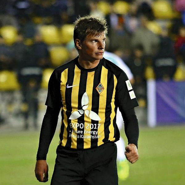 Карьеру ранее успешный футболист продолжает в казахстанском клубе «Кайрат»