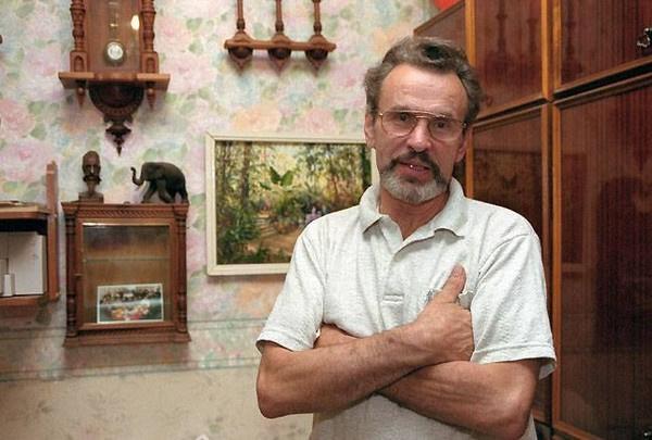 В 1981-м Ясан получил Государственную премию РСФСР имени Крупской за фильм «В моей смерти прошу винить Клаву К.»
