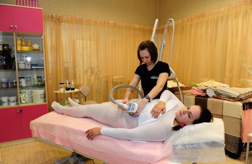 «Я слышала, как лопаются жировые клетки на процедуре LPG», - рассказала Юлия Августова